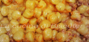 Gnocchi alla crema di zucca e salsicce