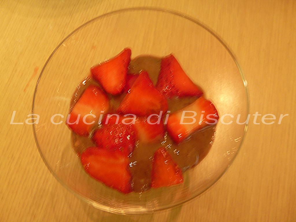 Coppa fragole crema e cioccolato _18