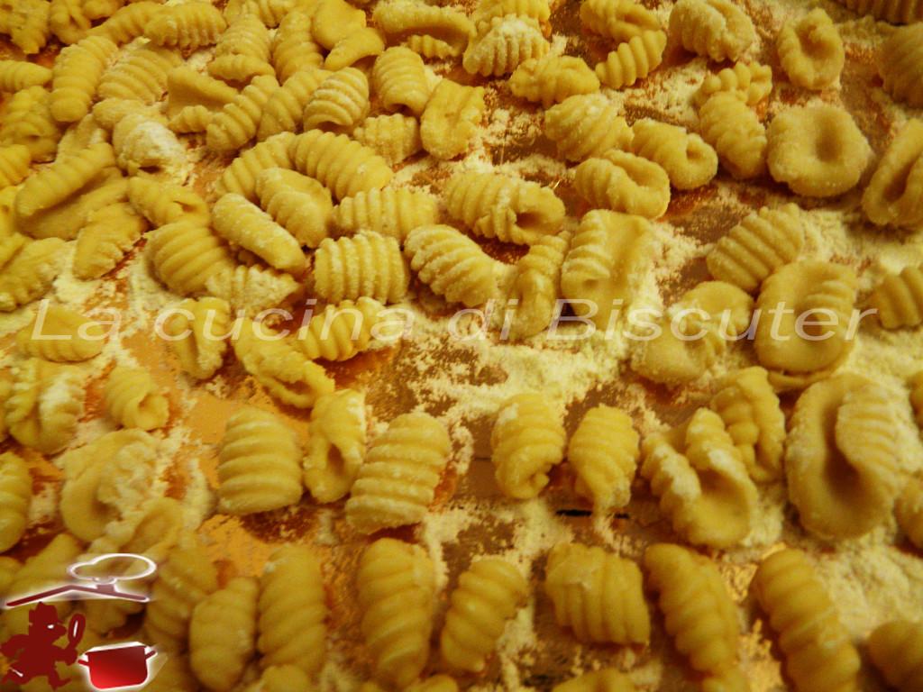 Gnocchetti sardi al pesto di pistacchio 2g