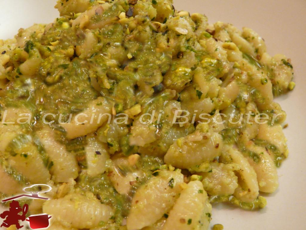 Gnocchetti sardi al pesto di pistacchio-