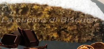 Torta zucca e noci con un cuore di cioccolato