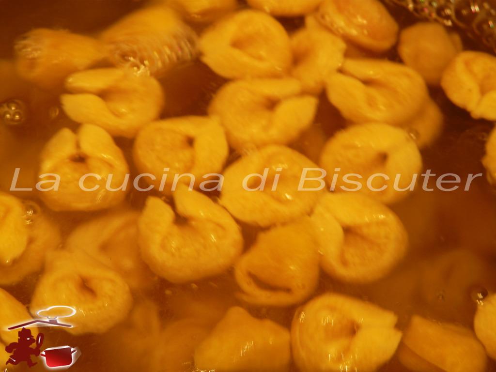Tortellini  gorgonzola e noci 11