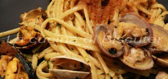 Linguine cozze e vongole mantecate alla bottarga